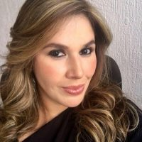 Ana Cecilia Pérez_Corporativo